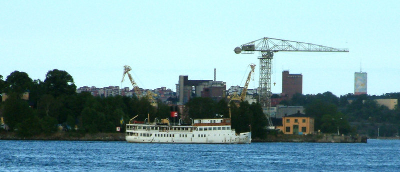 MV/SS Stockholm passing the former shipyard at Beckholmen on her final run of the day from Stockholm to Vaxholm, 27 07 2006