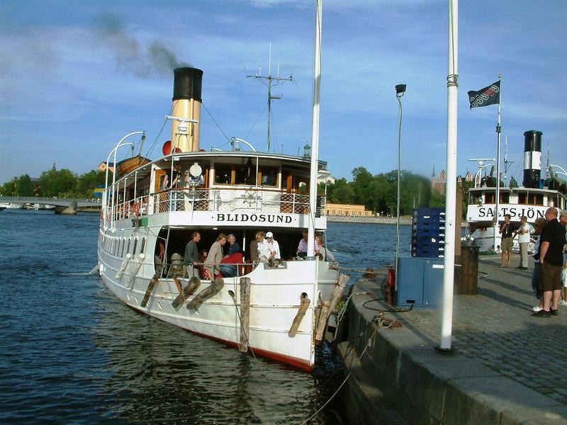 SS Blidosund leaving Skeppsbrokajen, Stockholm 28 07 2006