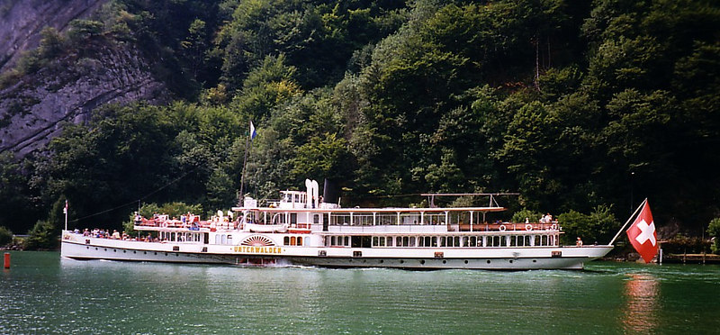 Paddle steamer Underwalden emerging from Acheregg with masts, funnel and wheelhouse retracted, heading for Alpnachsstad The black top of her funnel can be seen aft of the re-instated ventilators behind the wheelhouse