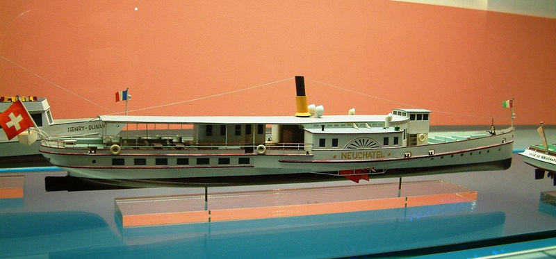 Model of the paddle steamer Neuchatel