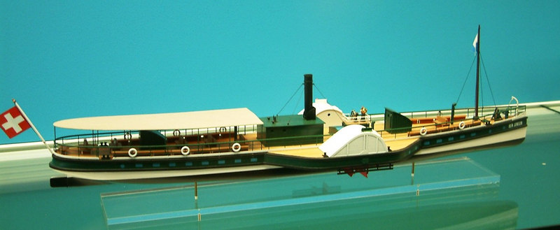 Model of the Lake Lucerne paddle steamer Ben Jonson