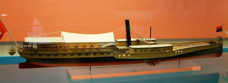 Model of Lake Thun paddle steamer Beatus