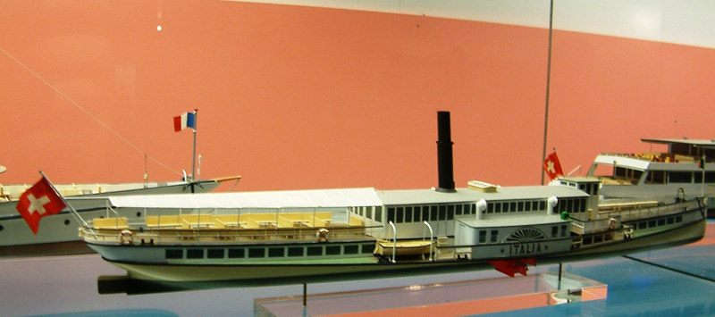Model of the paddle steamer Italia