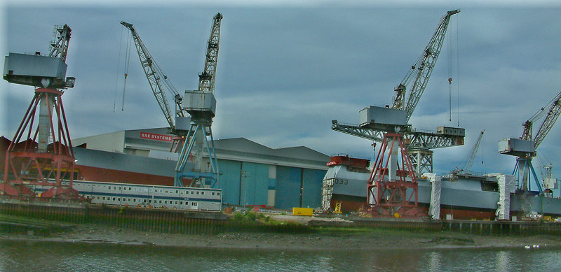Dauntless - fore and aft sections waiting to be united, 13th August 2006