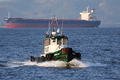 ARROW NO. 2 - Pilot Boat  Columbia River | Astoria, Oregon  | Canon EF 70-300mm f/4-5.6 IS USM