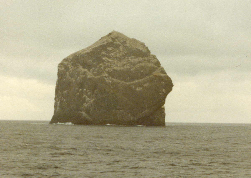 Next, Columba headed over to the Boreray group, first passing Stac Lee from the west.