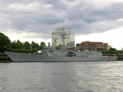 USS McClusky FFG 41
