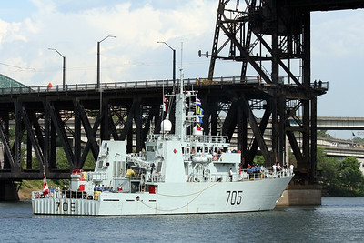 HMCS Whitehorse (MM 705)