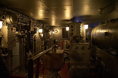 USS North Carolina (BB-55) Inside the turret