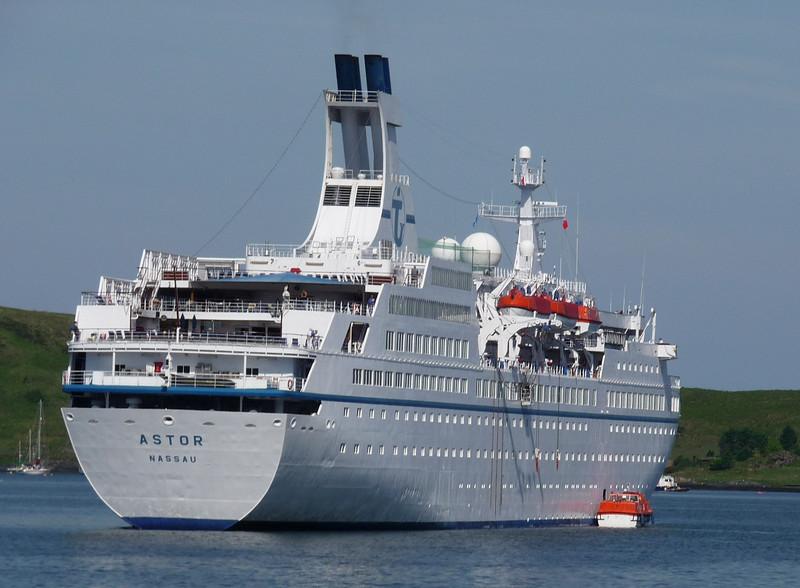 Astor anchored in Oban Bay