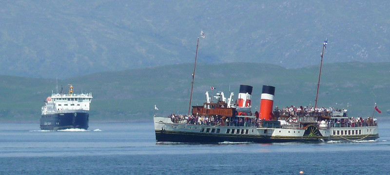 Waverley swings to starboard to follow the precise channel into Oban Bay.