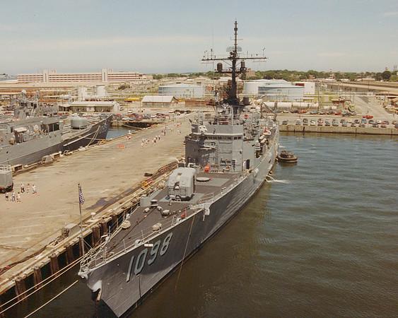 USS Glover FF1098