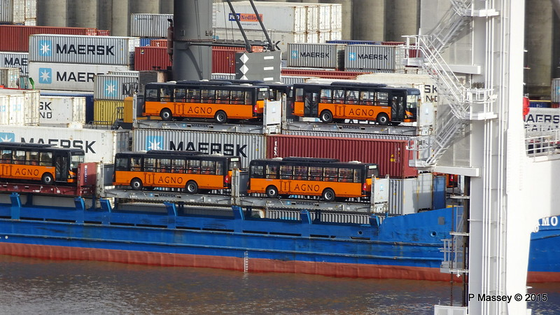 JOSAMO Loaded with AGNO Buses Port of Buenos Aires 12-12-2015 08-16-08