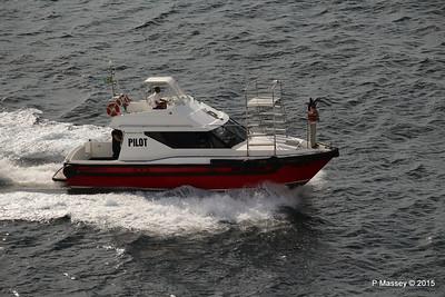 Pilot Waving PILOT BOAT II Salvador 07-12-2015 07-30-05