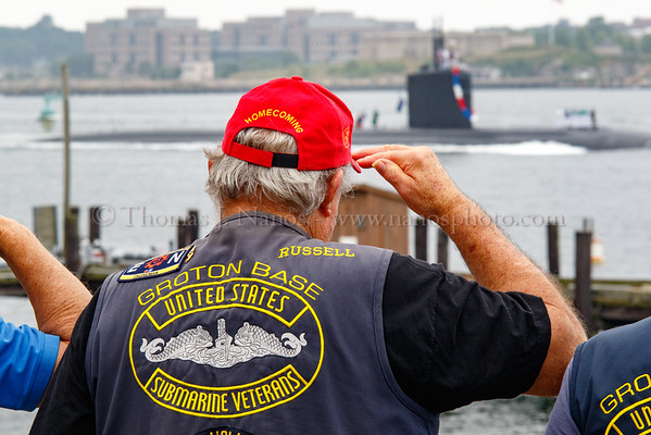 Submarine Veterans salute the USS Springfield