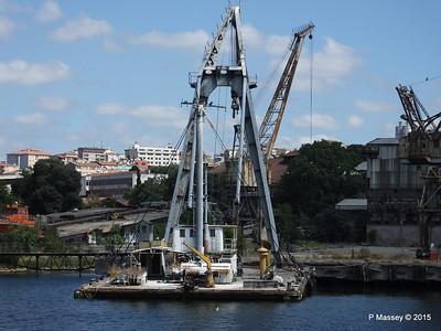 Derelict KOCA YUSUF Crane Barge Golden Horn Shipyard Istanbul 20-07-2015 08-12-037
