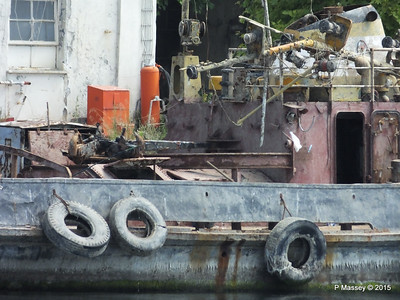 Abandoned PASALIMANI Golden Horn Istanbul 20-07-2015 08-12-030