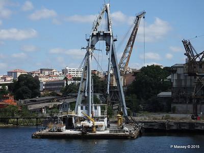 Derelict KOCA YUSUF Crane Barge Golden Horn Shipyard Istanbul 20-07-2015 08-12-36