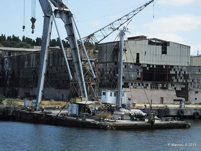 Derelict KOCA YUSUF Crane Barge Golden Horn Shipyard Istanbul 20-07-2015 08-12-054