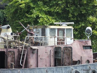 Abandoned PASALIMANI Golden Horn Istanbul 20-07-2015 08-12-028