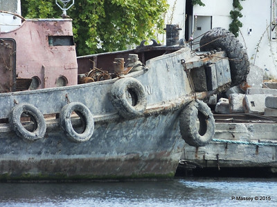 Abandoned PASALIMANI Golden Horn Istanbul 20-07-2015 08-12-026