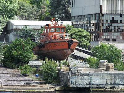 PILOT 75 abandoned Golden Horn Shipyard Istanbul 20-07-2015 08-12-59