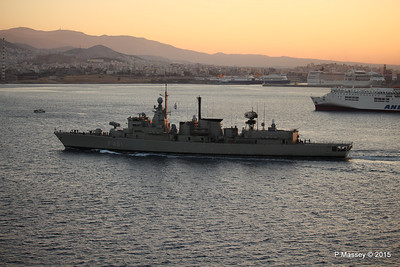 HS NAVARINON F 461 with KRITI I Passing Piraeus PDM 23-07-2015 03-32-19