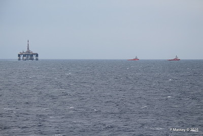 SEDCO 702 Under Tow AH VALLETTA AH VARAZZE to Aliaga Off Cape Pappas SW Ikaria Island PDM 27-10-2016 16-43-44