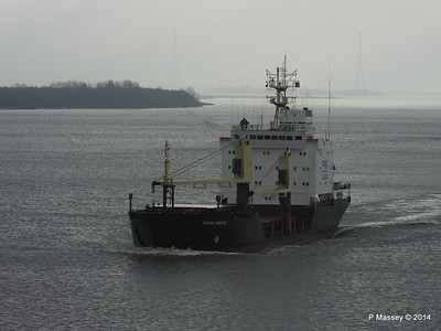 KAPITAN YAKOVLEV on the Elbe PDM 16-12-2014 11-22-38