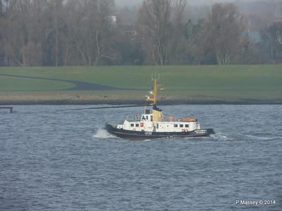 KAPITAN STOEWAHSE Pilot Launch Elbe PDM 16-12-2014 09-51-004