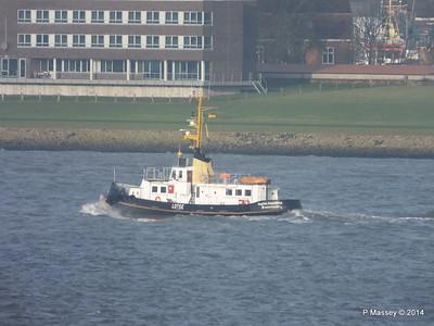 KAPITAN STOEWAHSE Pilot Launch Elbe PDM 16-12-2014 09-51-027