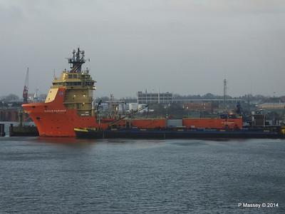 SIDDIS MARINER Cuxhaven PDM 16-12-2014 08-34-20