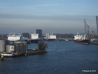 JUTLANDIA SEAWAYS SUECIA SEAWAYS FLANDRIA SEAWAYS DENSA SEAL Vulcaanhaven Rotterdam PDM 14-12-2014 11-49-36