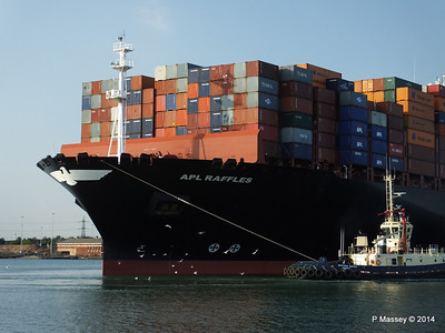 APL RAFFLES Departing Southampton PDM 20-06-2014 19-11-44