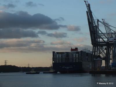 CMA CGM MARCO POLO Southampton PDM 10-12-2012 15-58-06