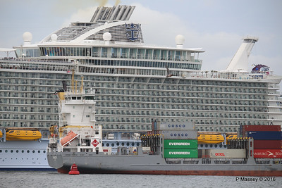 FRANCOP Departing Passing HARMONY OF THE SEAS Southampton PDM 20-05-2016 17-14-55