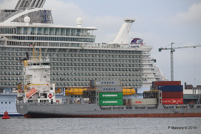 FRANCOP Departing Passing HARMONY OF THE SEAS Southampton PDM 20-05-2016 17-14-59