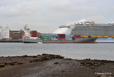FRANCOP Departing Passing HARMONY OF THE SEAS Southampton PDM 20-05-2016 17-14-05