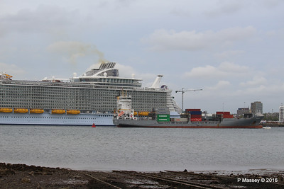FRANCOP Departing Passing HARMONY OF THE SEAS Southampton PDM 20-05-2016 17-15-02