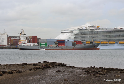 FRANCOP Departing Passing HARMONY OF THE SEAS Southampton PDM 20-05-2016 17-14-04