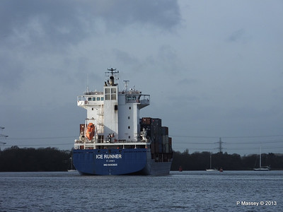 ICE RUNNER Arriving Southampton PDM 20-12-2013 12-16-18