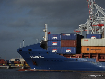 ICE RUNNER Arriving Southampton PDM 20-12-2013 12-13-03