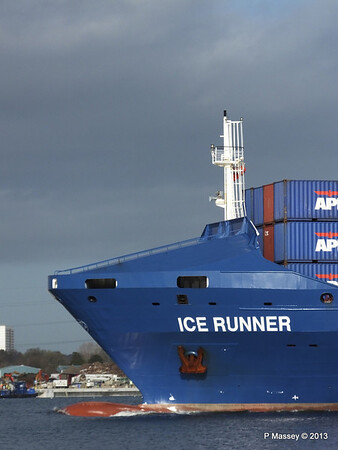ICE RUNNER Arriving Southampton PDM 20-12-2013 12-12-29