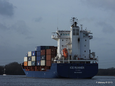 ICE RUNNER Arriving Southampton PDM 20-12-2013 12-15-26