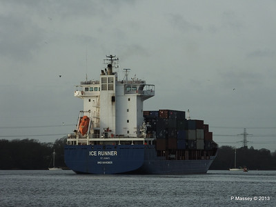 ICE RUNNER Arriving Southampton PDM 20-12-2013 12-16-52