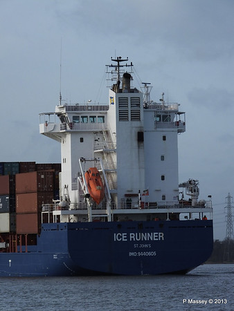 ICE RUNNER Arriving Southampton PDM 20-12-2013 12-15-18