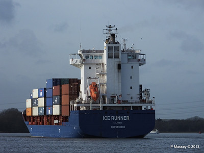 ICE RUNNER Arriving Southampton PDM 20-12-2013 12-15-30
