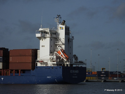 ICE RUNNER Arriving Southampton PDM 20-12-2013 12-14-06