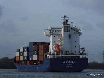 ICE RUNNER Arriving Southampton PDM 20-12-2013 12-15-23