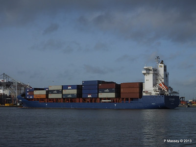 ICE RUNNER Arriving Southampton PDM 20-12-2013 12-13-56